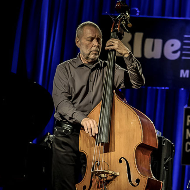 Dave Holland Trio feat. Kevin Eubanks and Obed Calvaire 22/11/2017 23.00