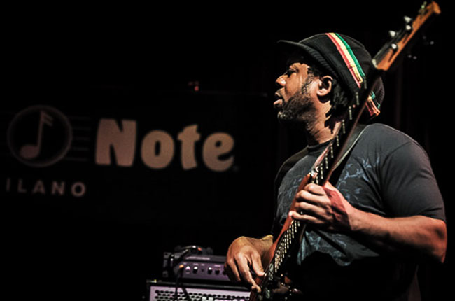 1 e 2 Novembre – Victor Wooten feat. Dennis Chambers